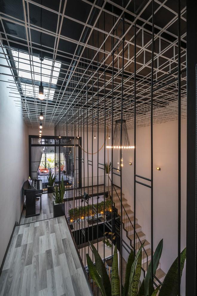 Ngôi nhà ống đẹp với mặt tiền sắt thép được cải tạo từ xưởng gỗ ở Đà Nẵng - Nhà Đẹp Số (14)
