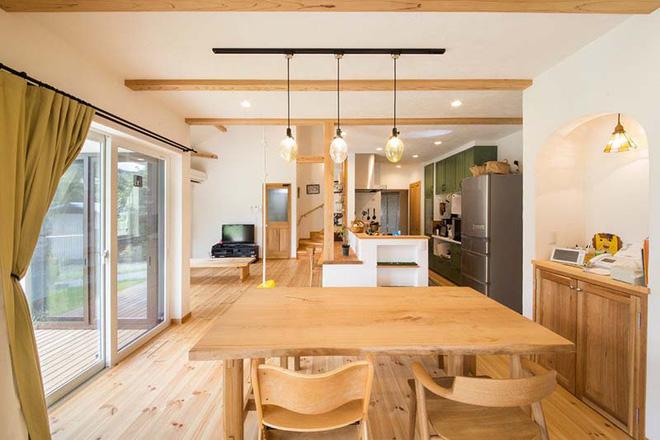Những không gian phòng ăn ấm cúng vô ngần nhờ bộ bàn ăn gỗ - Nhà Đẹp Số (9)