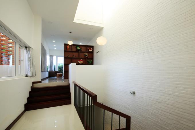 Ánh sáng tự nhiên ngập đầy nhà ống 3 tầng ở Phan Thiết - Nhà Đẹp Số (8)