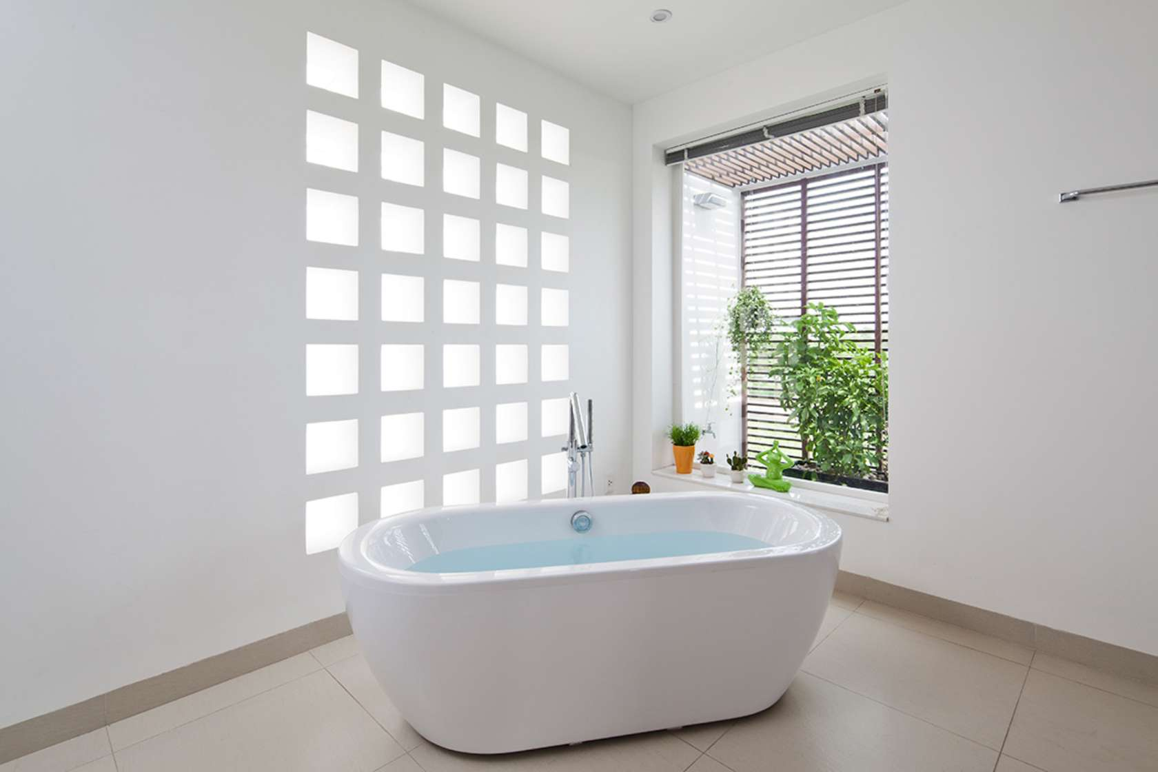 Newspaper of the West praised the words of 3-storey townhouse with beautiful garden in Saigon - Beautiful House No. (15)