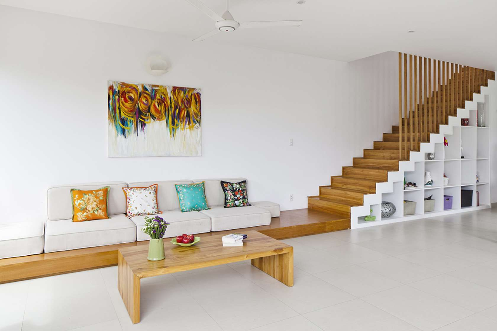 Newspaper of the West praised the words of 3-storey townhouse with beautiful garden in Saigon - Beautiful House No. (2)