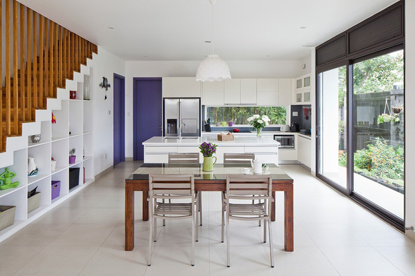 Western Newspaper praised the words of the 3-storey townhouse with beautiful garden in Saigon - Beautiful House No. (4)