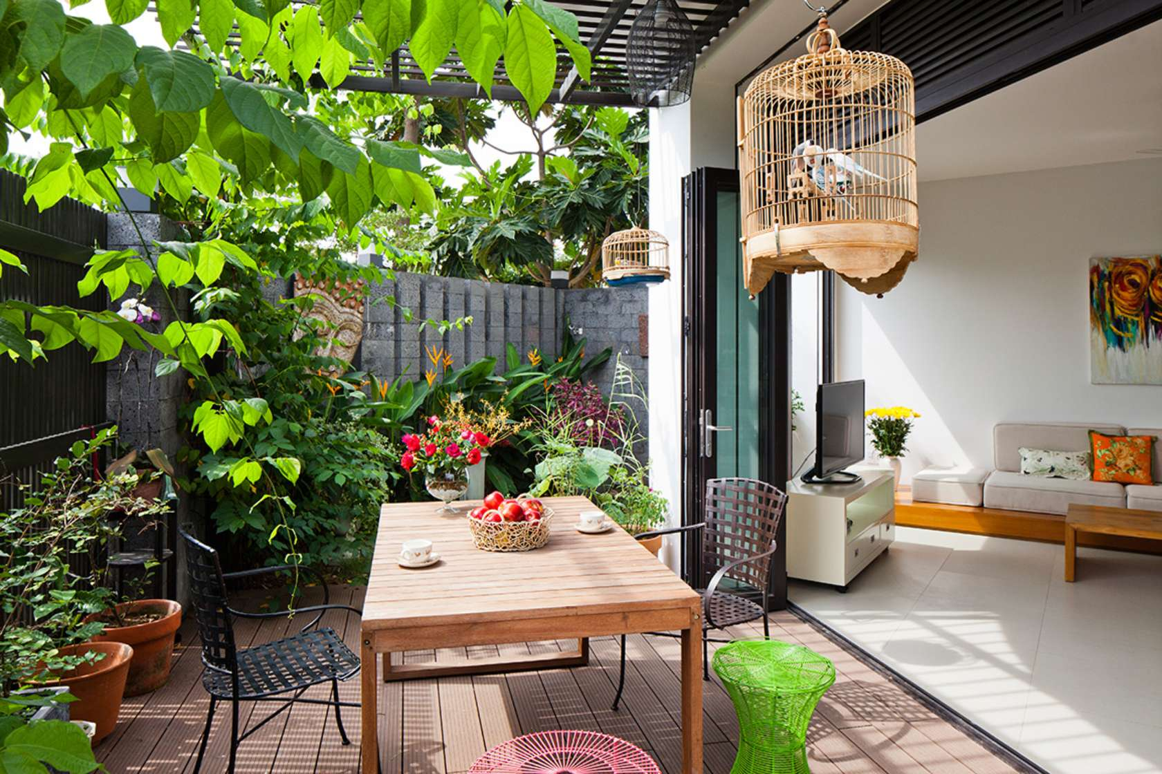 Newspaper of the West praised the words of the 3-storey townhouse with beautiful garden in Saigon - Beautiful House No. (8)