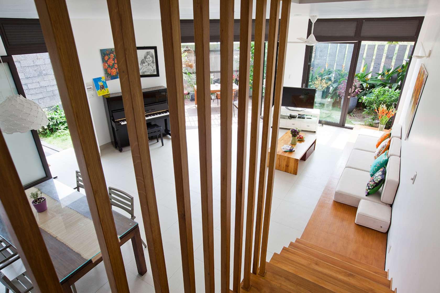 Báo Tây khen không tiếc lời công trình nhà phố 3 tầng có sân vườn cực đẹp ở Sài Gòn - Nhà Đẹp Số (9)