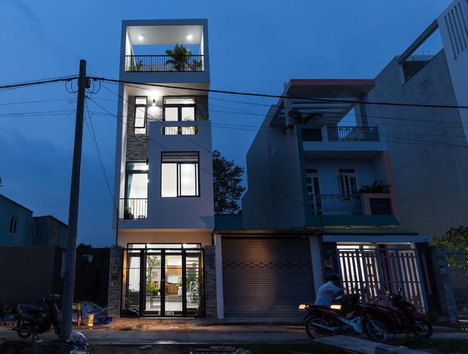 Gần 900 triệu hoàn thiện ngôi nhà phố 4 tầng khang trang ở quận 9, Sài Gòn - Nhà Đẹp Số (1)