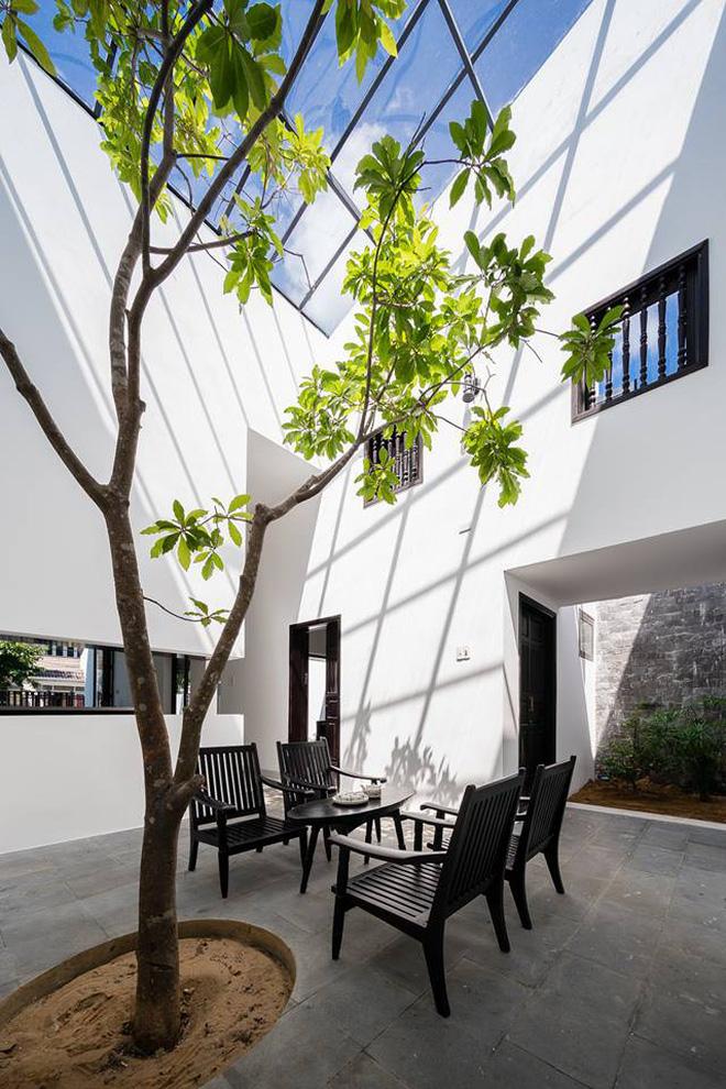 Hiện đại và truyền thống giao thoa trong ngôi nhà vườn đẹp ở Hội An - Nhà Đẹp Số (13)