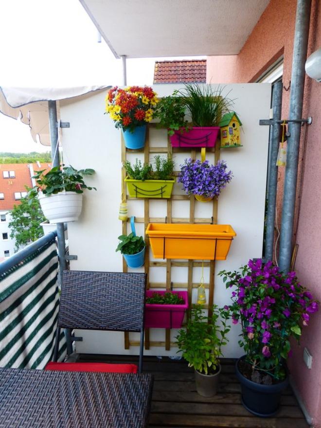 Trang trí ban công bằng hoa tươi - ý tưởng chưa bao giờ lỗi mốt - Nhà Đẹp Số (2)