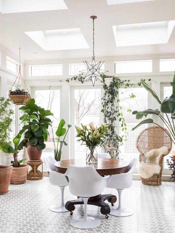 Xu hướng thiết kế phòng ăn mới toanh kết hợp bàn kiểu cũ với ghế hiện đại - Nhà Đẹp Số (11)