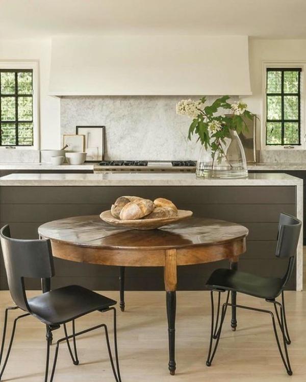 Xu hướng thiết kế phòng ăn mới toanh kết hợp bàn kiểu cũ với ghế hiện đại - Nhà Đẹp Số (12)