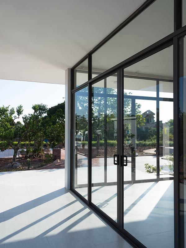 Công trình nhà cấp 4 đẹp đầy đủ tiện nghi như resort ẩn mình trong ốc đảo ở Thái Bình - Nhà Đẹp Số (5)