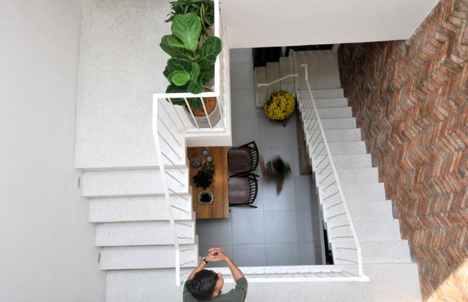 Ngôi nhà ống 2 tầng kinh phí thấp được cải tạo từ nhà cấp 4 ở quận 12 - Nhà Đẹp Số (4)