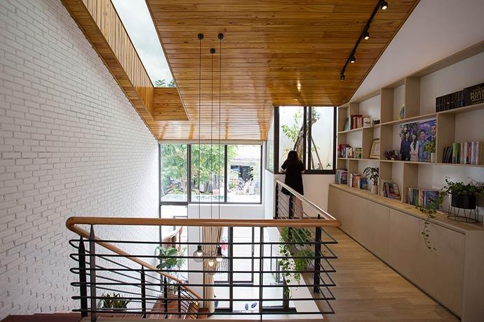 Ấn tượng nhà phố 2 tầng ở Hòa Xuân Đà Nẵng với mặt tiền kính - Nhà Đẹp Số (23)