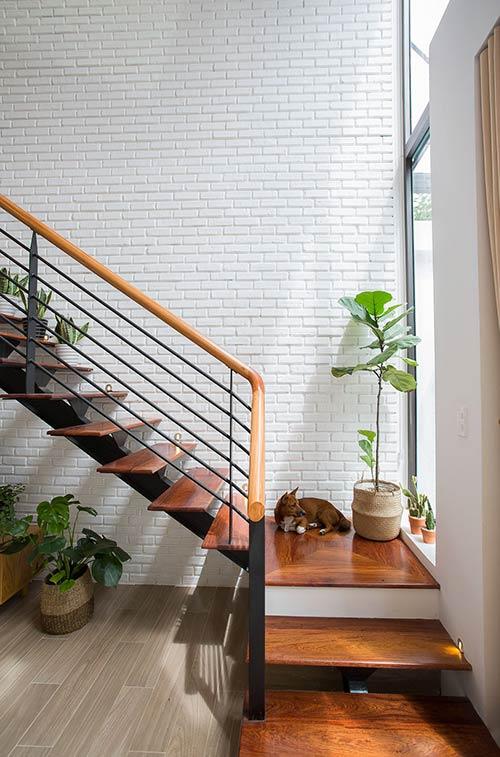Ấn tượng nhà phố 2 tầng ở Hòa Xuân Đà Nẵng với mặt tiền kính - Nhà Đẹp Số (26)
