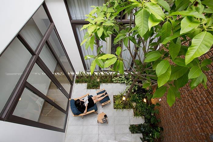 Ấn tượng nhà phố 2 tầng ở Hòa Xuân Đà Nẵng với mặt tiền kính - Nhà Đẹp Số (34)