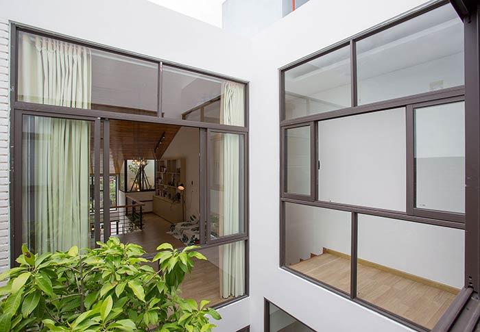 Ấn tượng nhà phố 2 tầng ở Hòa Xuân Đà Nẵng với mặt tiền kính - Nhà Đẹp Số (39)