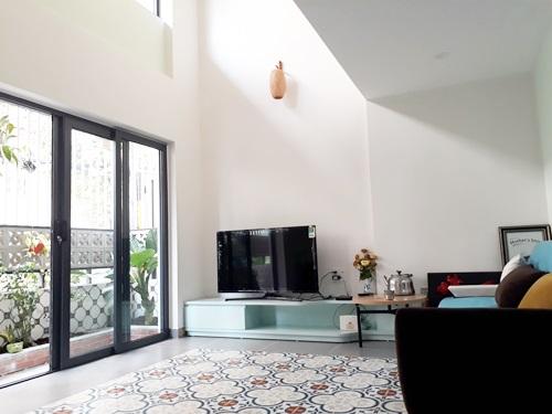 Cải tạo nhà 36m2 trong hẻm nhỏ thành không gian thoáng đãng với chi phí 350 triệu - Nhà Đẹp Số (5)