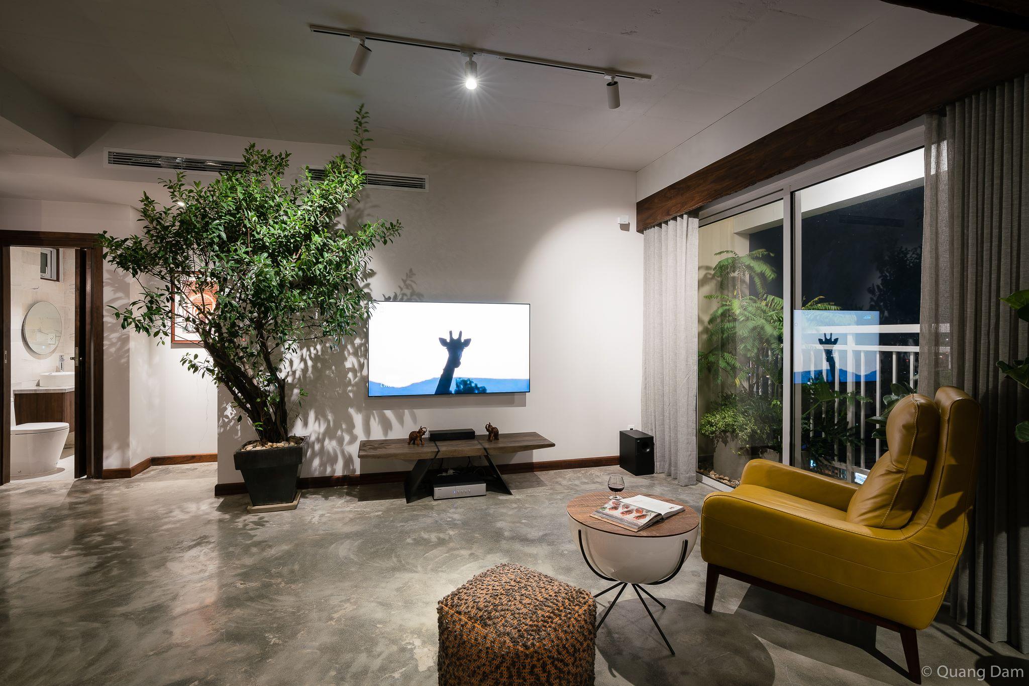 Nội thất căn hộ 1 phòng ngủ với điểm nhấn gỗ và cây xanh - Nhà Đẹp Số (3)