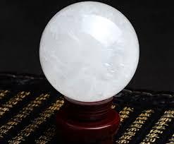 Quả cầu đá thạch anh trắng tiên tri