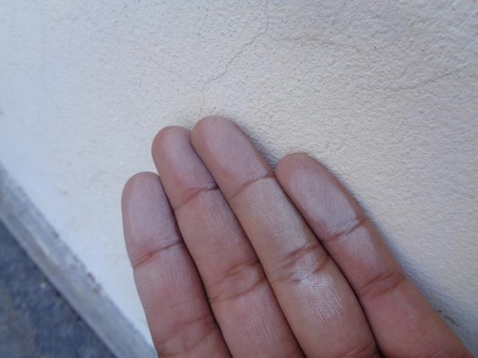 Phấn hóa sơn tường