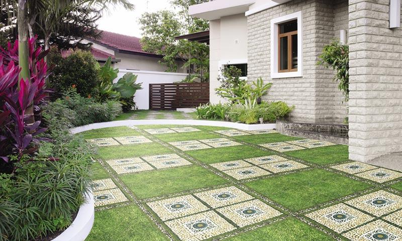 gạch giả cỏ để lát sân vườn