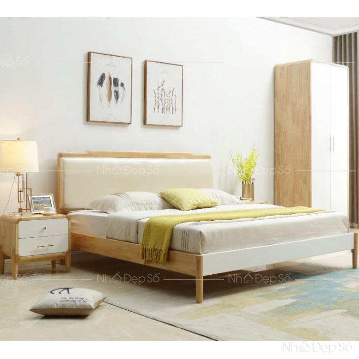 Không gian phòng ngủ với nội thất gỗ chủ đạo.
