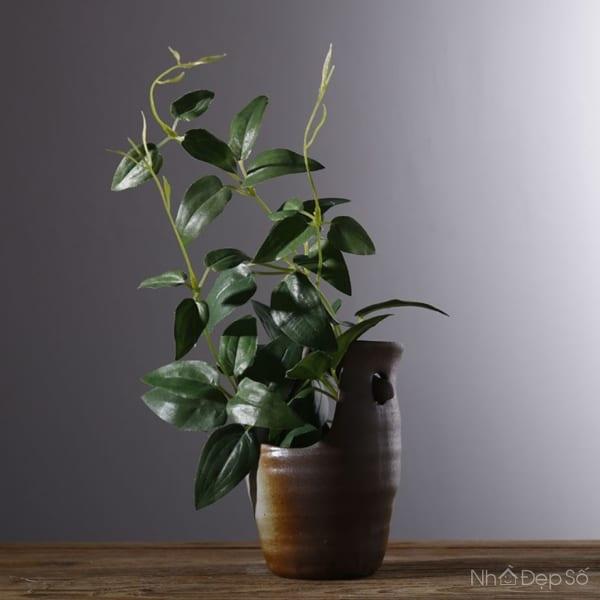 Bình hoa bằng chất liệu gốm thích hợp đặt để ở nhiều vị trí trong nhà.