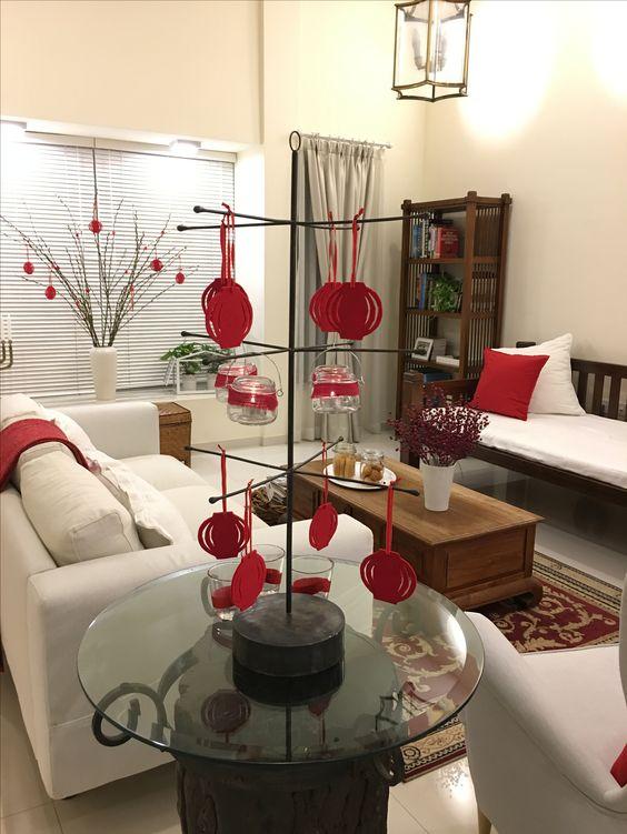 Phòng khách là khu vực nên dọn dẹp, trang trí trước nhất