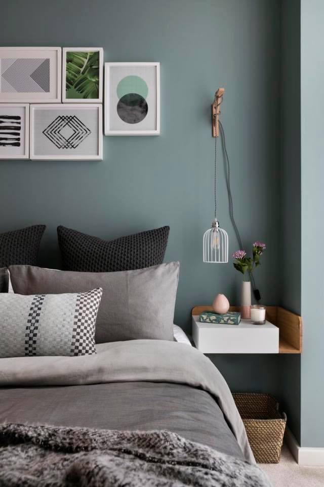 Vị trí của đèn gắn tường thường cố định nên bạn hãy cân nhắc thật kĩ trước khi quyết định chọn vị trí treo đèn