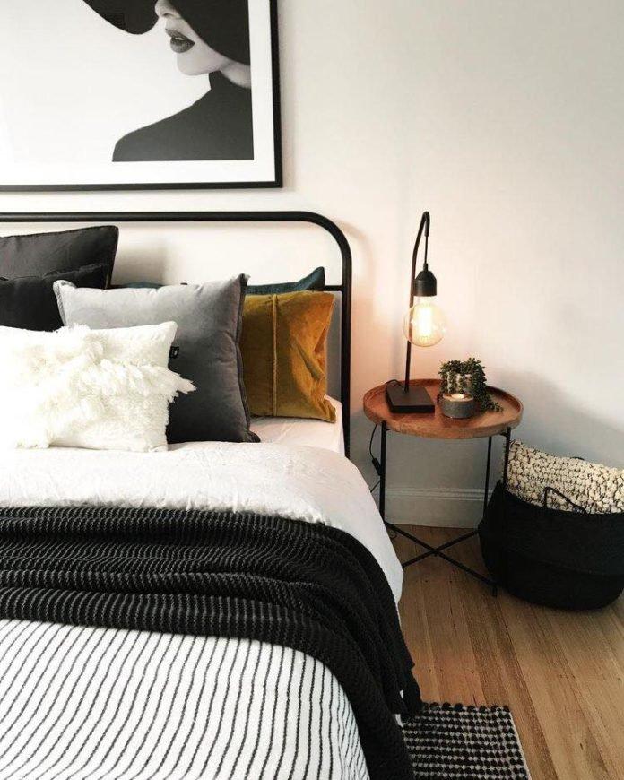Đèn trang trí phòng ngủ để bàn