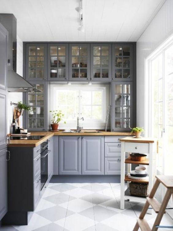 Mẫu tủ bếp đẹp chữ L phong cách tân cổ điển