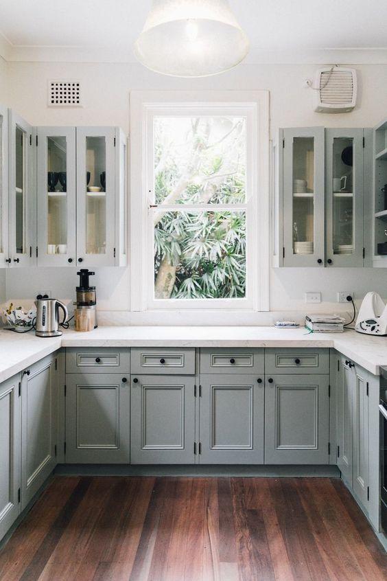 mẫu tủ bếp đẹp chữ u phong cách tân cổ điển