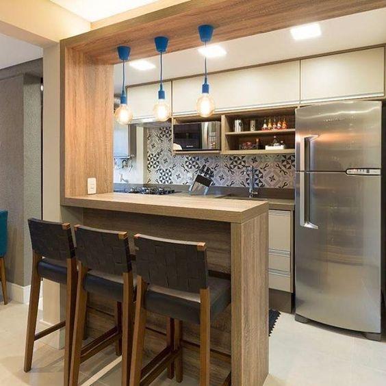 Mẫu tủ bếp đẹp kết hợp bar hiện đại