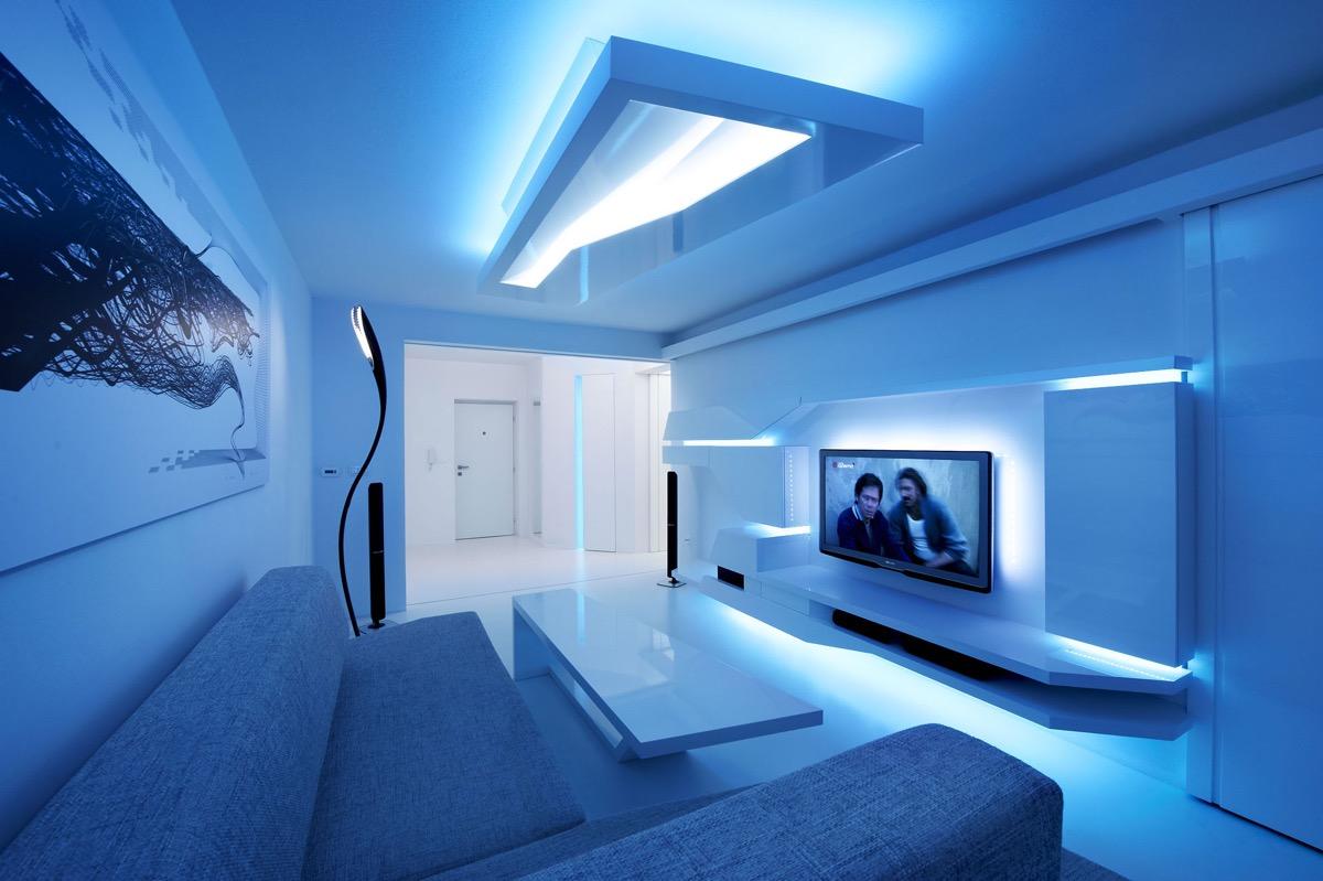 mẫu phòng khách sử dụng đèn led màu xanh dương