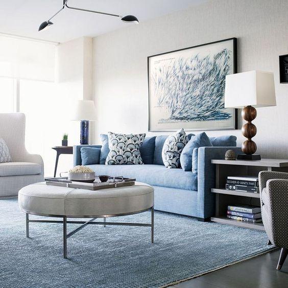 mẫu phòng khách sử dụng thảm màu xanh dương