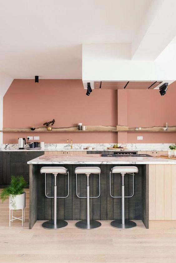 mẫu tủ bếp tông màu pastel kết hợp gỗ