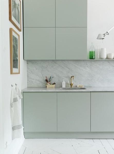 mẫu tủ bếp tông màu pastel mát dịu