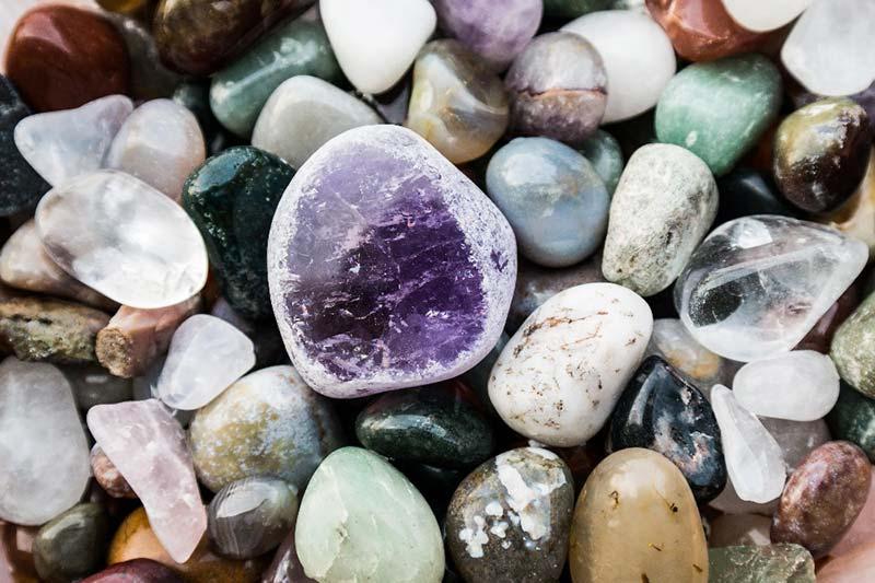 đá thạc anh có năng lượng mạnh và đa dạng trong tự nhiên
