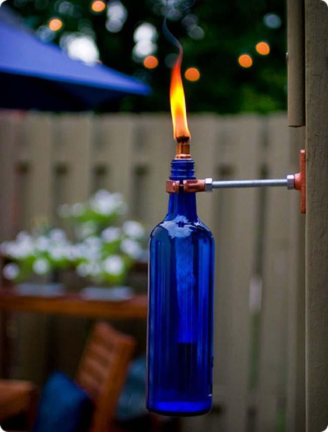 đèn thắp ngoài trời từ chai thủy tinh cũ