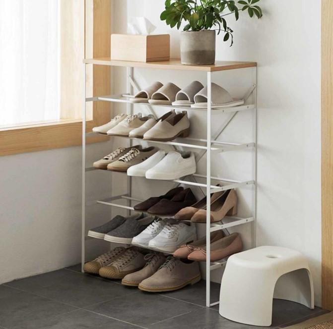 Kệ giày 5 tầng với khung sắt kiên cố, chịu lực tốt