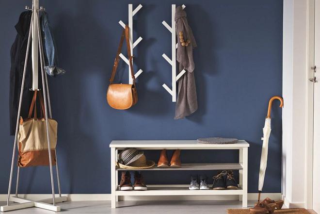 Kệ giày dép với ghế ngồi mặt gỗ