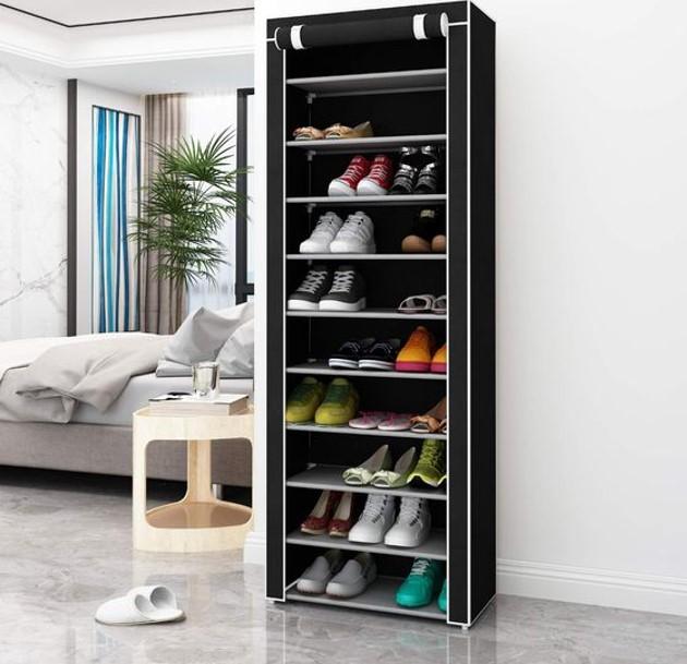Tủ giày với gam màu đen và thiết kế ấn tượng