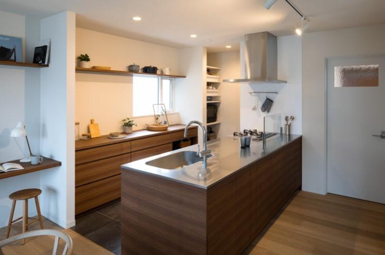 Bàn đảo bếp đơn giản cho không gian phòng bếp nhỏ