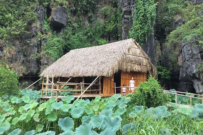 Ở các bungalow này sự gần gũi với thiên nhiên tạm lánh cuộc sống hiện đại hối hả là điều mà bất kỳ du khách nào cũng sẽ được nếm trải